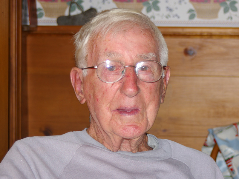 https://warehamwater.cruelery.com/img/Ernie.Precourt.-.Wareham.MA.2006-10-04-Wed-11-03-22-am.jpg